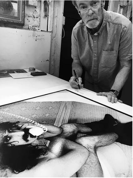 Robert Davidson photographer signs print of Frank Zappa